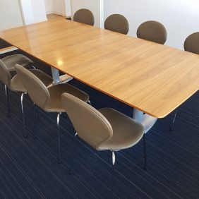 Konferensbord Båtform | KINNARPS