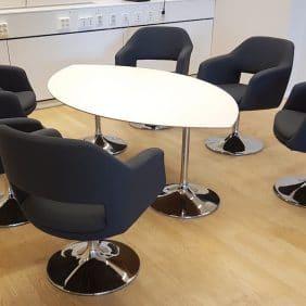 Konferensbord Oval form |