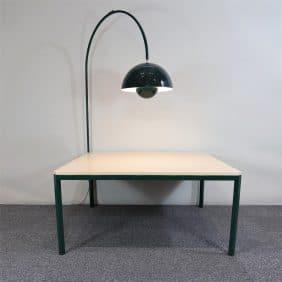 Projektbord med Flowerpot VP2 av Verner Pantons