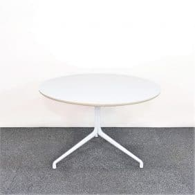 HAY About a table