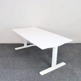 Höj- och sänkbart skrivbord från Kinnarps