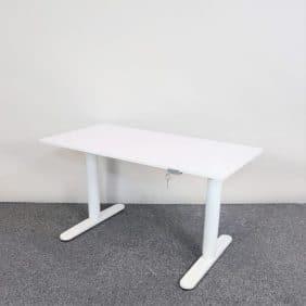 Höj- och sänkbart skrivbord från IKEA
