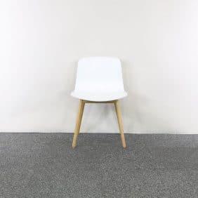 Vit stol från HAY