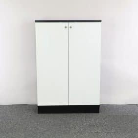 Förvaringsskåp från SA Möbler i vitt och svart