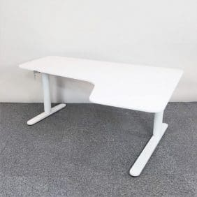 bekant skrivbord från IKEA