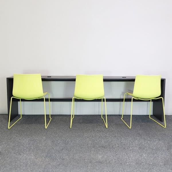 Med stolar