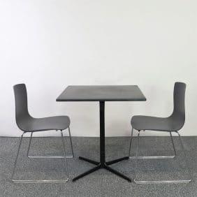 Caféset, bord med två stolar Aava i svart