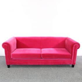 Rosa soffa i sammet från deNONA