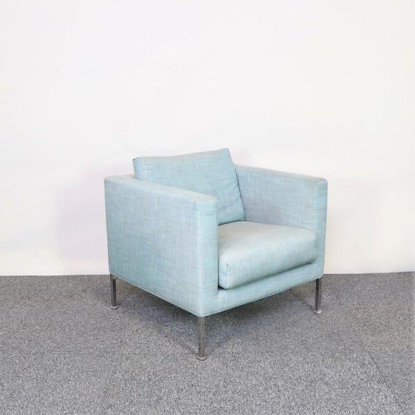 Blå loungefåtölj från Living Furniture