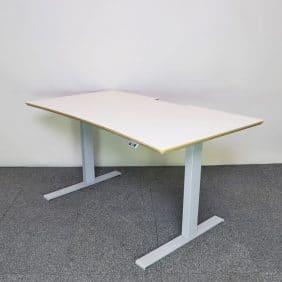 Höj- och sänkbart skrivbord i vitt med trälist från Edsbyn